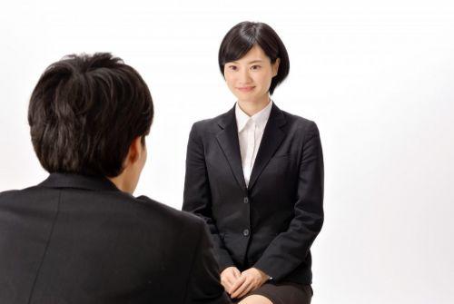 Những mẹo ghi điểm khi xin việc