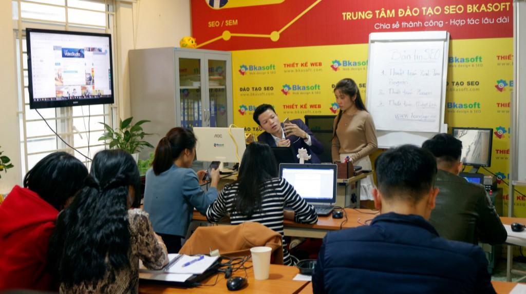 Hỏi khóa học Seo online uy tín, chất lượng năm 2020?