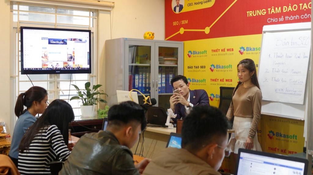 Công ty nào cung cấp dịch vụ SEO website uy tín tại Nam Định?
