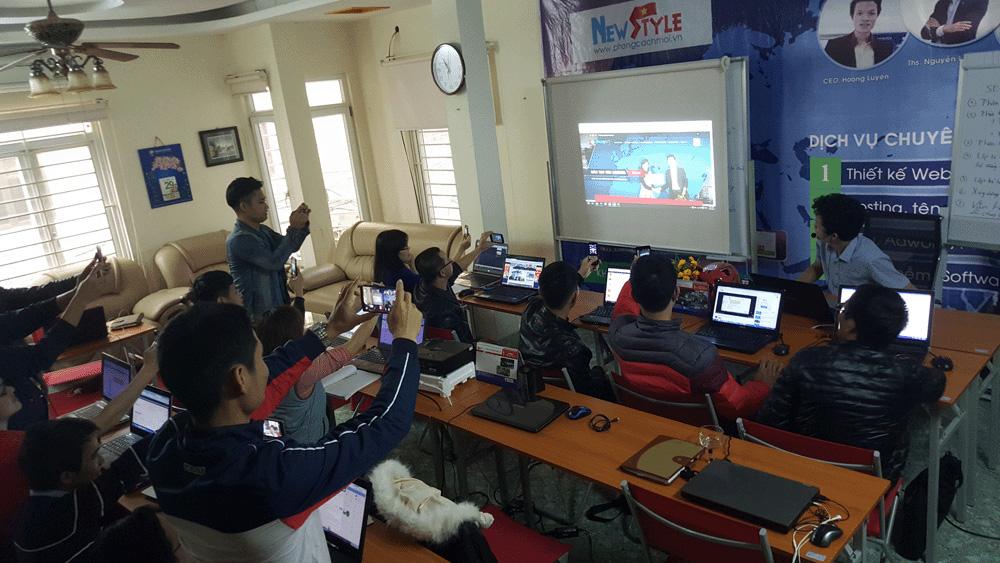 Học viên thích thú với giải pháp dạy SEO tại BKASOFT!